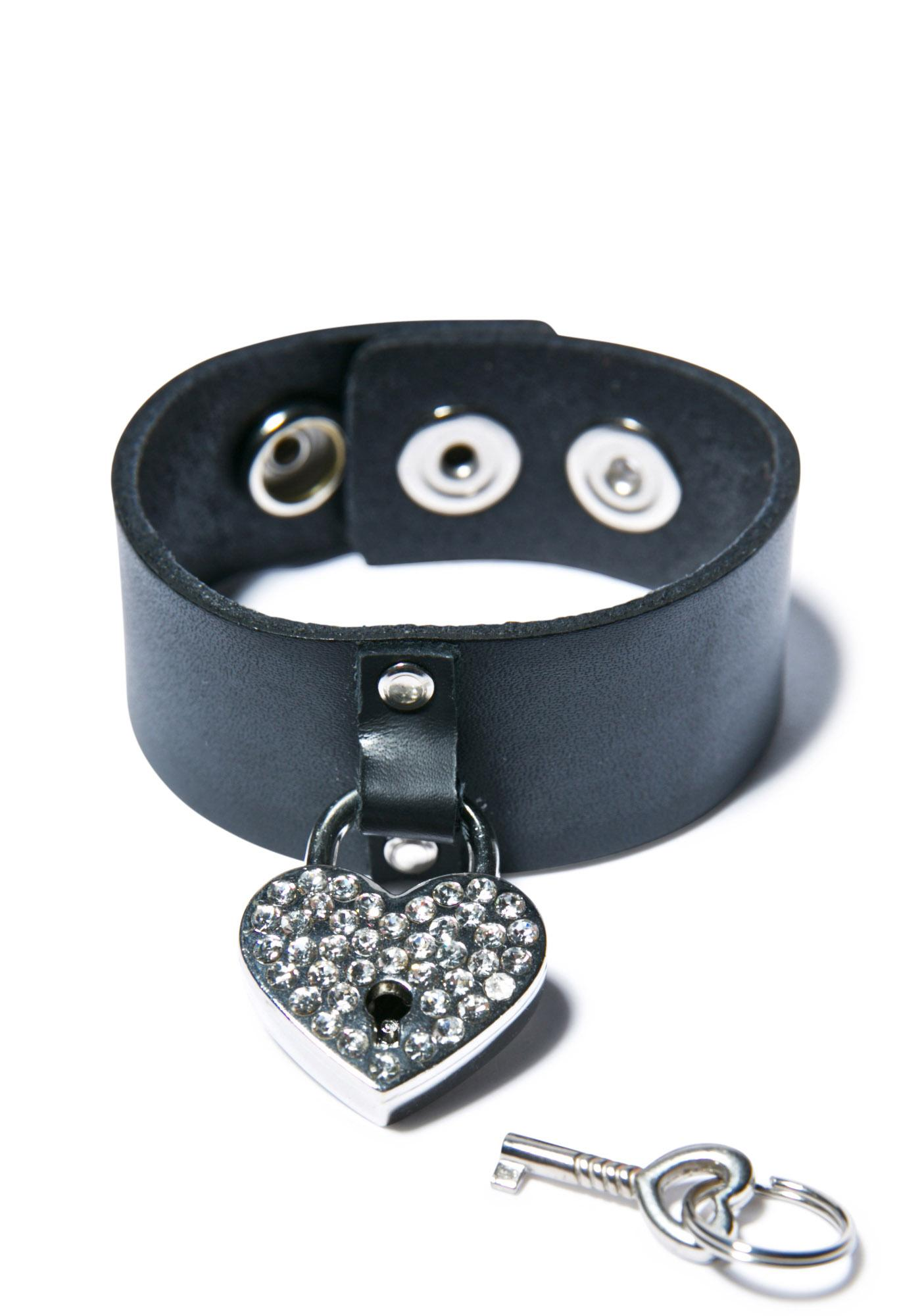 Club Exx Hold On To Yer Heart Bracelet