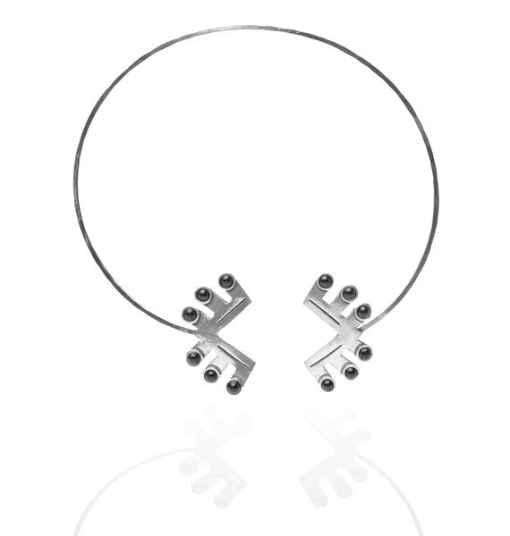 The 2Bandits Teepee Collar