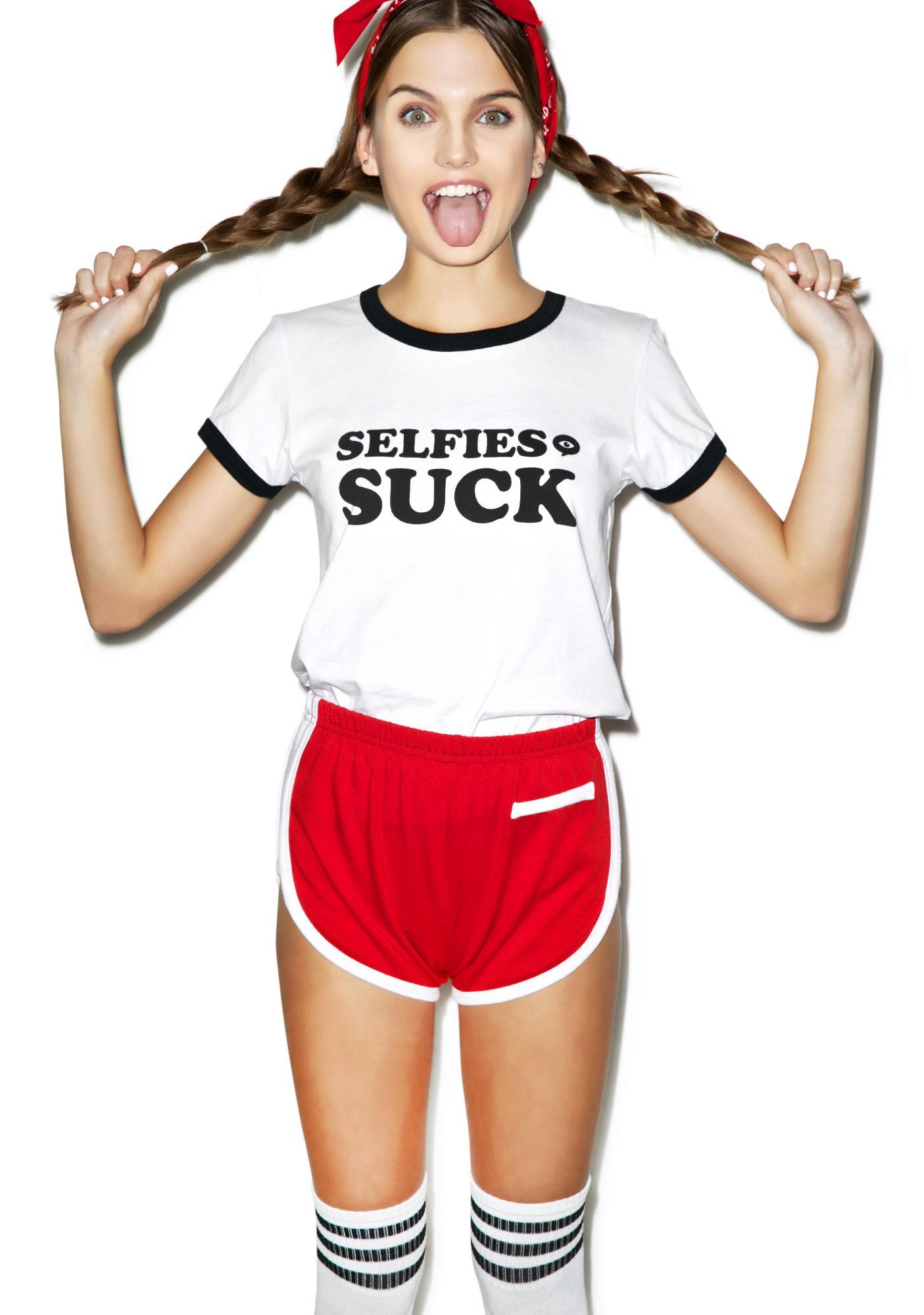 Illustrated People Selfies Suck Ailsa Tee