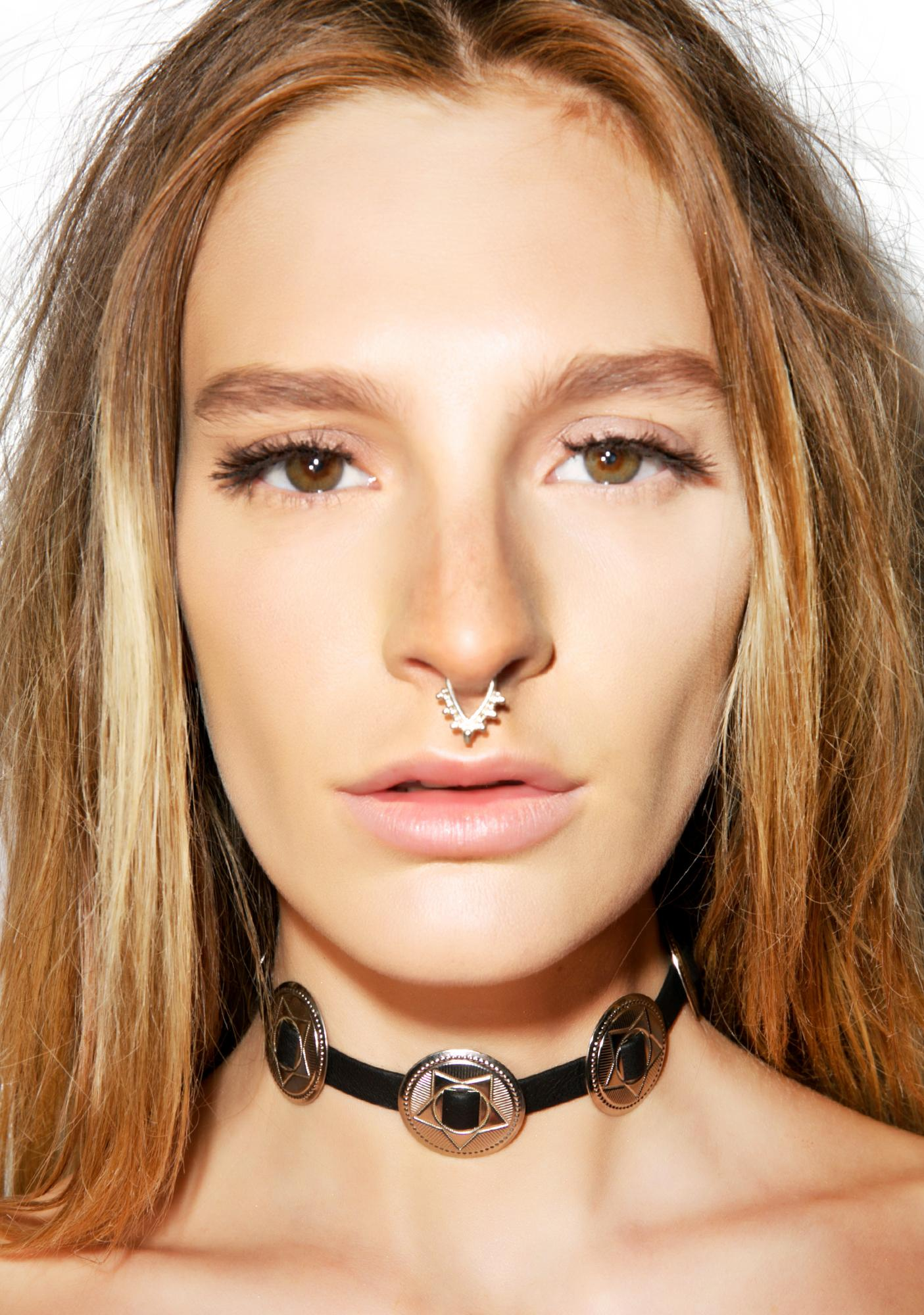 Vidakush Leather Concho Choker