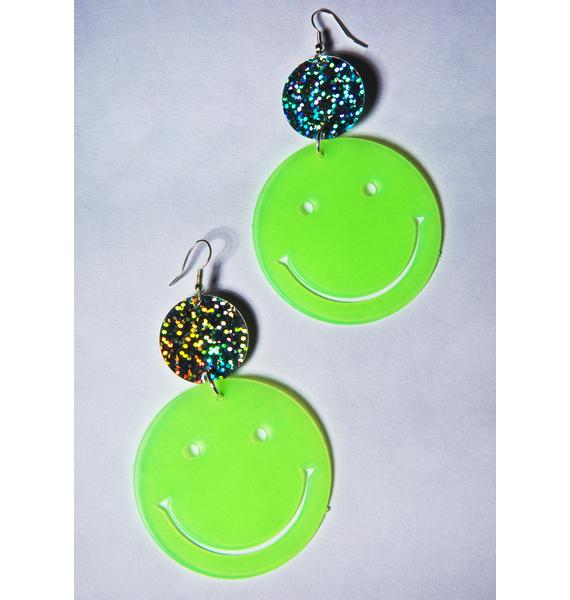 Trixy Starr Smiley Face Glow Earrings