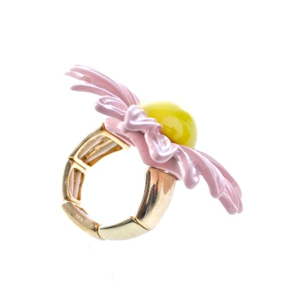 Dainty Daisy Ring