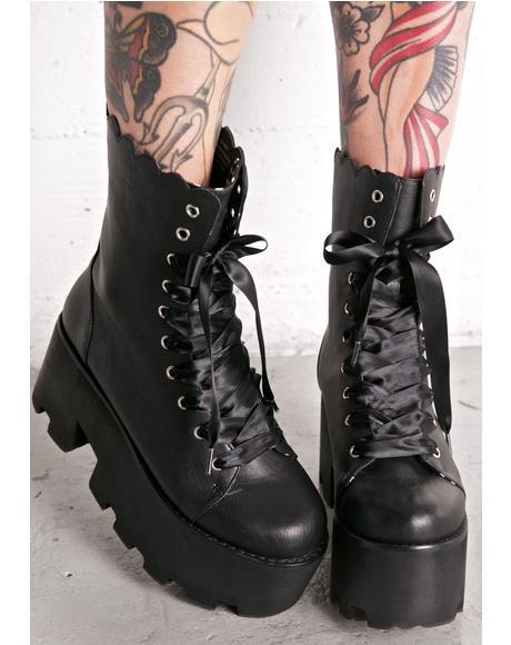 Britta Boots