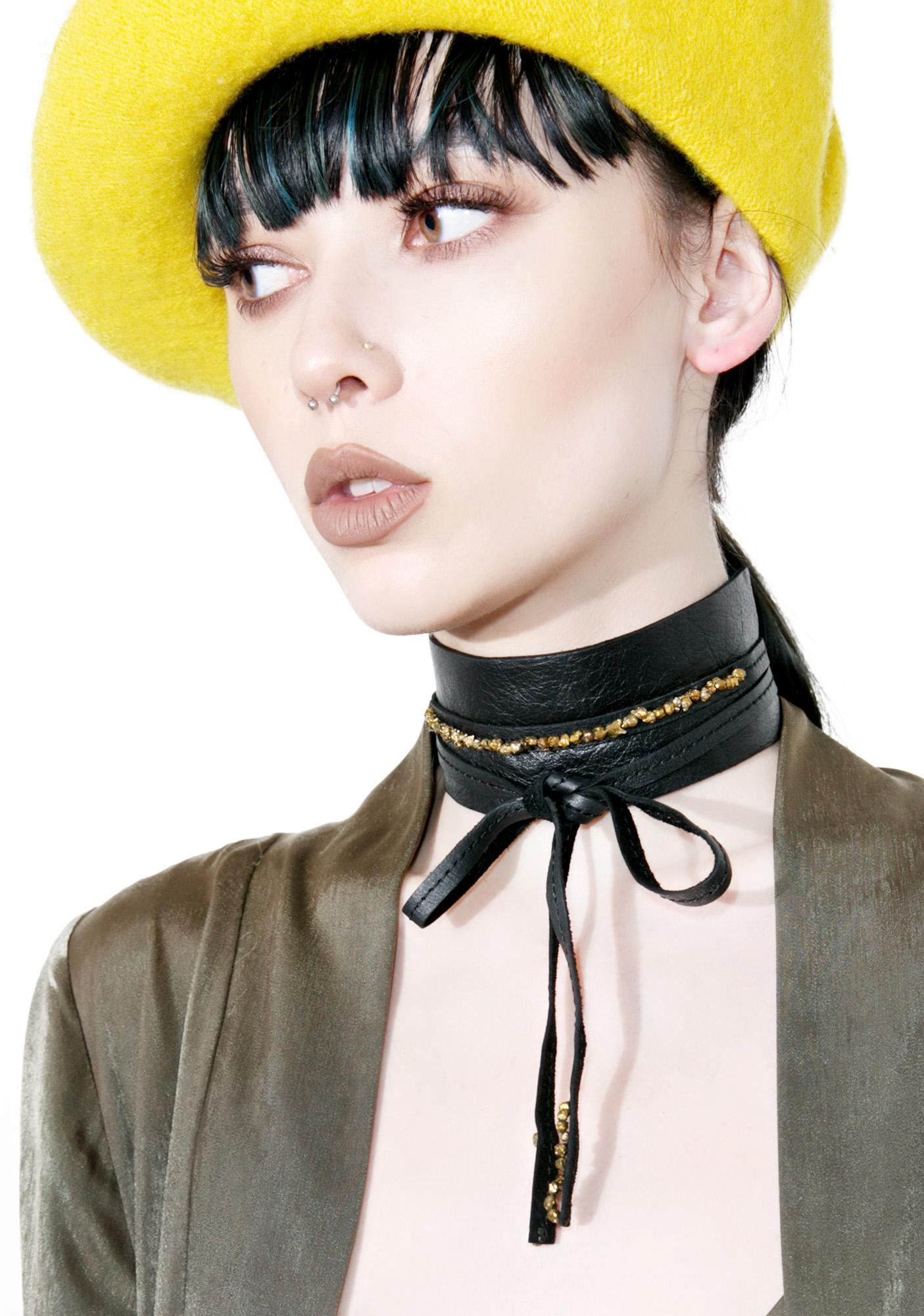 WREN AND GLORY Wide Leather Choker