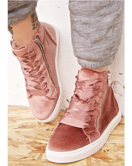 Earnst Velvet Sneakers