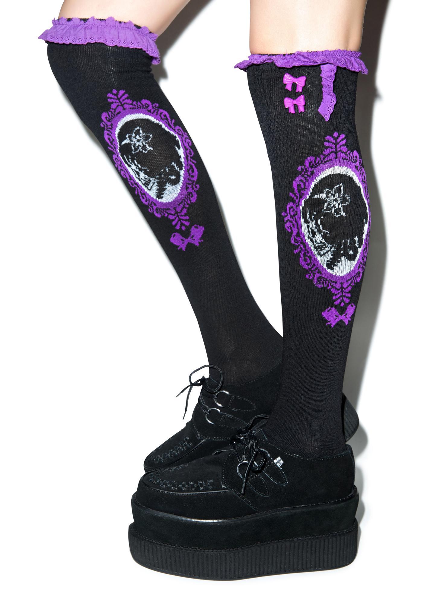 Too Fast Cameo Skull Eyelet Knee Socks