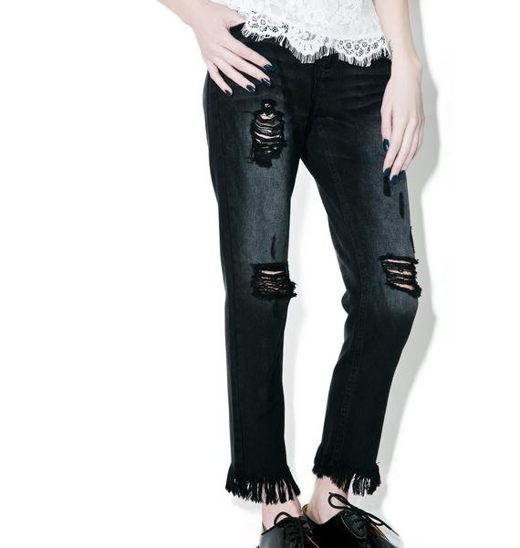 Tattle Tailz Distressed Jeans